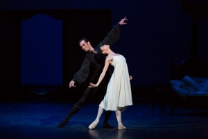 Aliya-Tanykpayeva-Tatyana-and-Zoltán-Oláh-Onegin-in-the-Bedroom-pas-de-deux.-Photo-Attila-Nagy